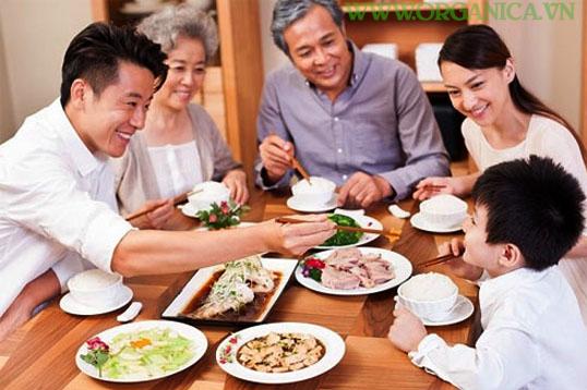 Bữa cơm gia đình 200k ngon bổ rẻ, bạn có thể thử và cảm nhận